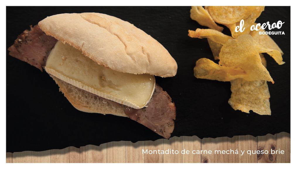 Montadito de carne mechá con queso brie